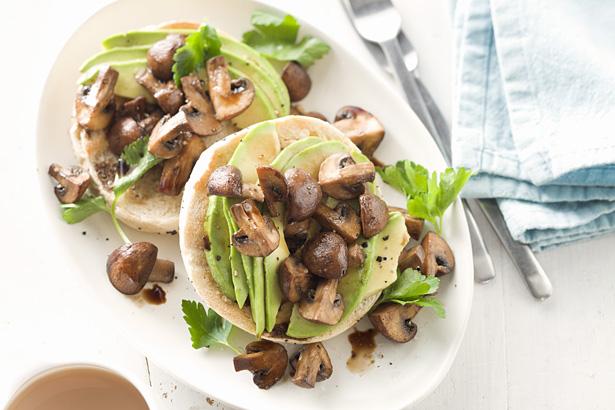 Avocado & Roasted Balsamic Mushroom Bagel.jpg