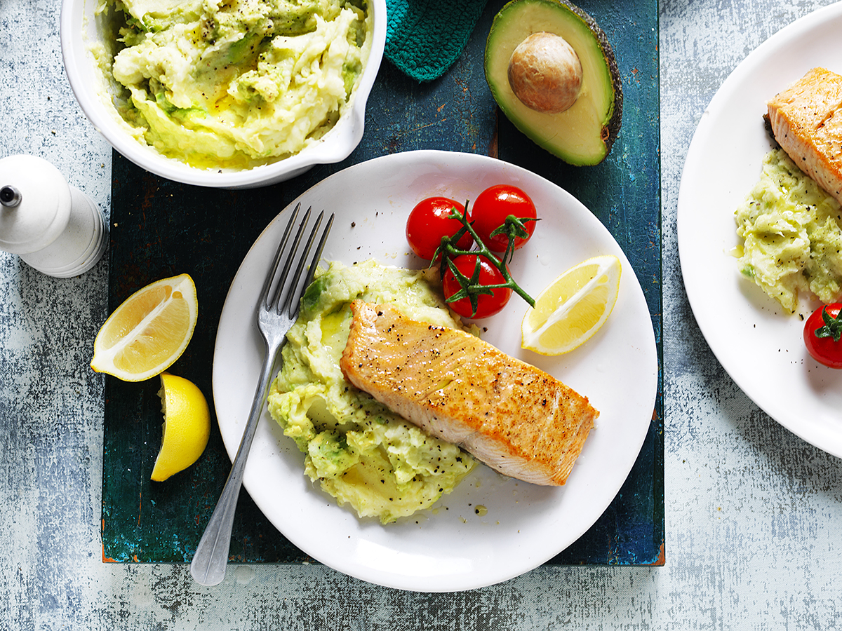 Avocado potato & parsnip mash with salmon_0316.jpg
