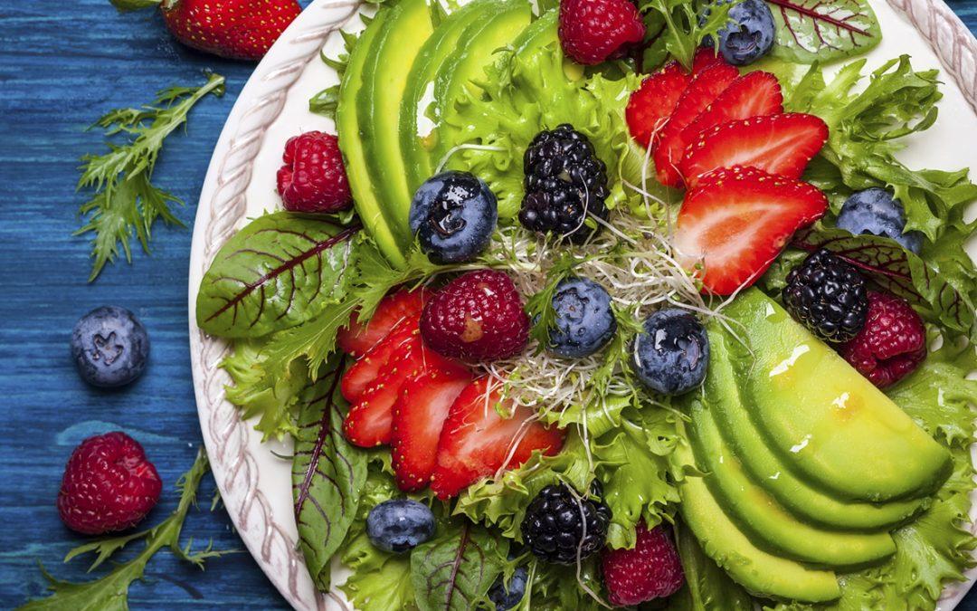 Avo & berry salad