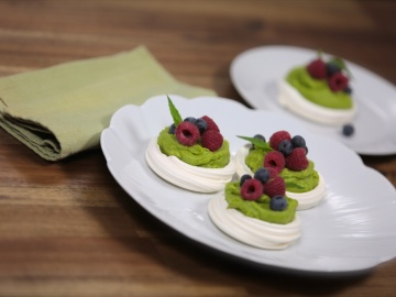 Berry avocado pavlova