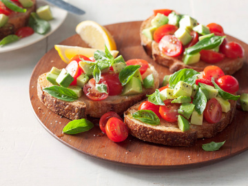 Avocado & basil breakfast bruschetta