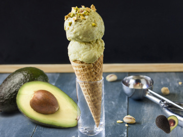 Avo & pistachio ice cream